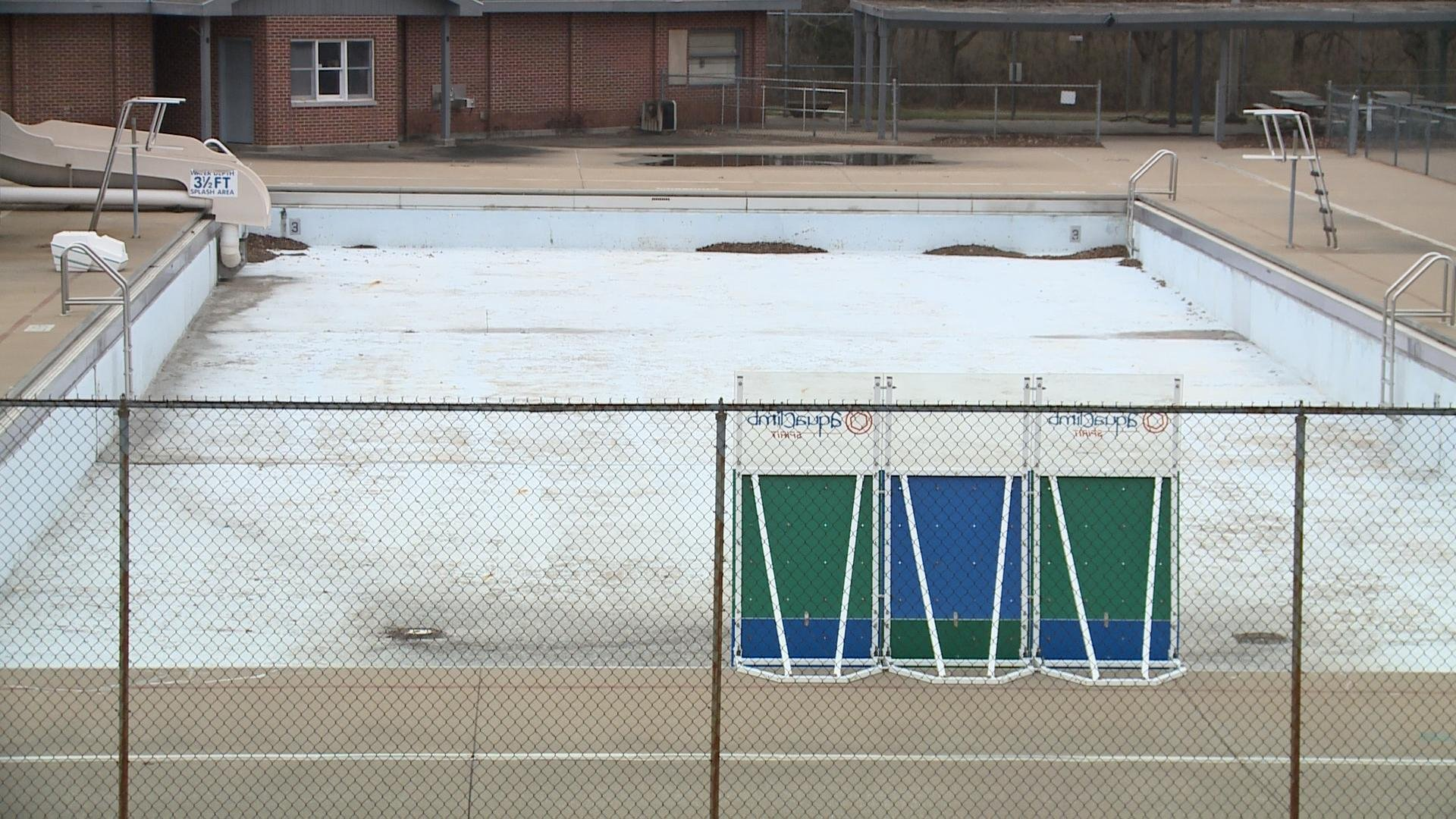 Public Asked For Ideas For Old Wavering Aquatic Center Rockford S News Leader