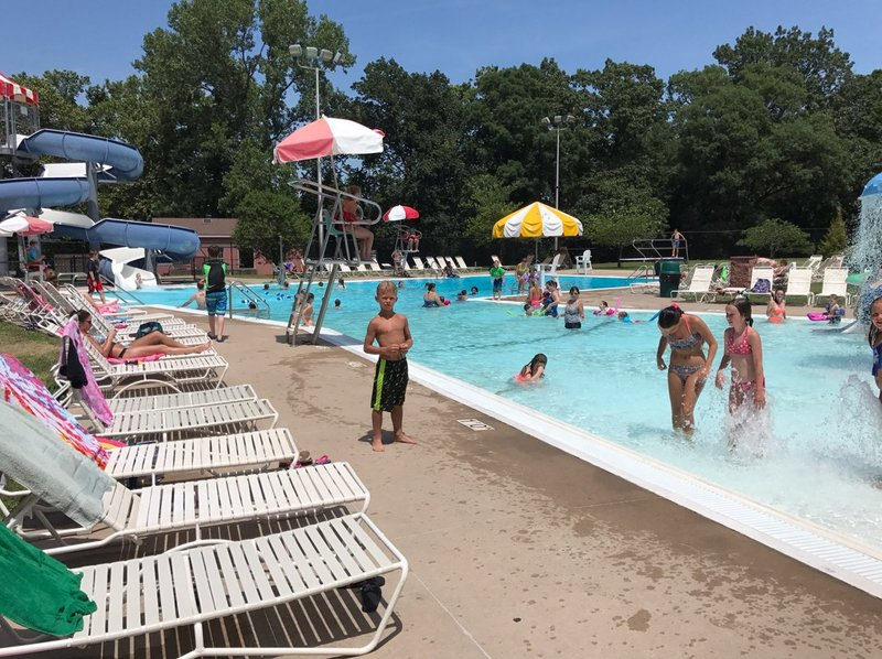 Local pools crowded during heat wave peoria area news weather sports Public swimming pools in quincy il