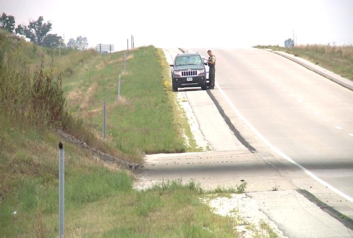 Pulled Over On Highway : Deputies enforce iowa s move over slow down law wrex