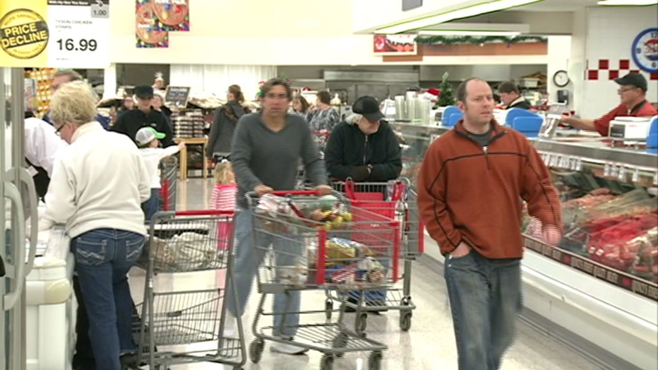 shoppers scramble to grocery stores to purchase last minute item kwwl eastern iowa breaking. Black Bedroom Furniture Sets. Home Design Ideas