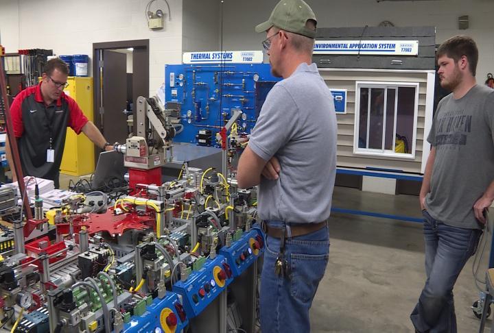 Southeastern community college plans new industrial tech for Community motors waterloo iowa