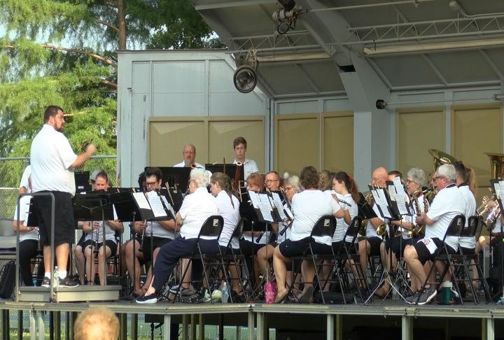 Band plays throughout the summer months.